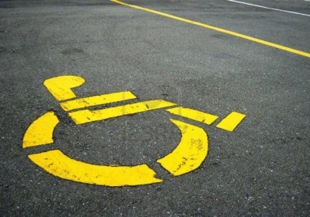 simbolo-disabili-sui-parcheggi