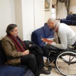 Un relatore viene intervistato