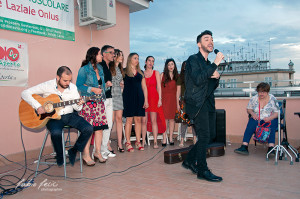 Dario Dee insieme ad alcuni componenti dei True Colors, suo progetto musicale