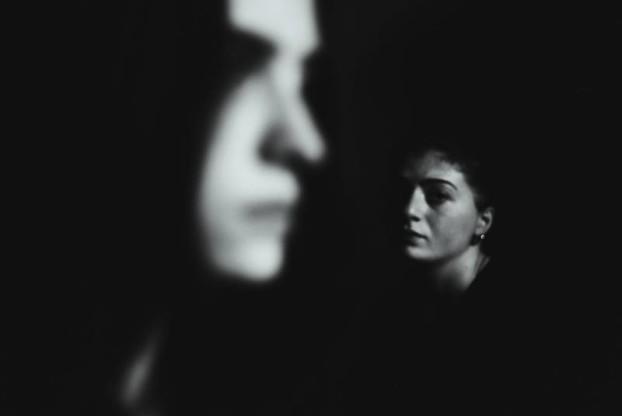 Assistenti sociali e pazienti psichiatrici. Foto di Mano Svanidzeq