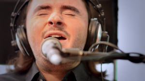 Pierfrancesco Madeo sul set del videoclip di un suo brano.