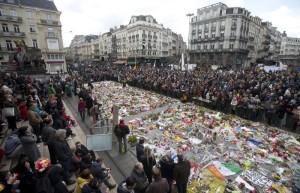 Manifestazione a Bruxelles contro il terrorismo (fonte: Ansa)