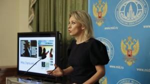 Maria Zakharova in conferenza stampa (foto: Corriere dello Sport)
