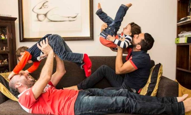 Cambiano i tempi, così come i modelli di famiglia (foto dal sito web di Famiglie Arcobaleno)