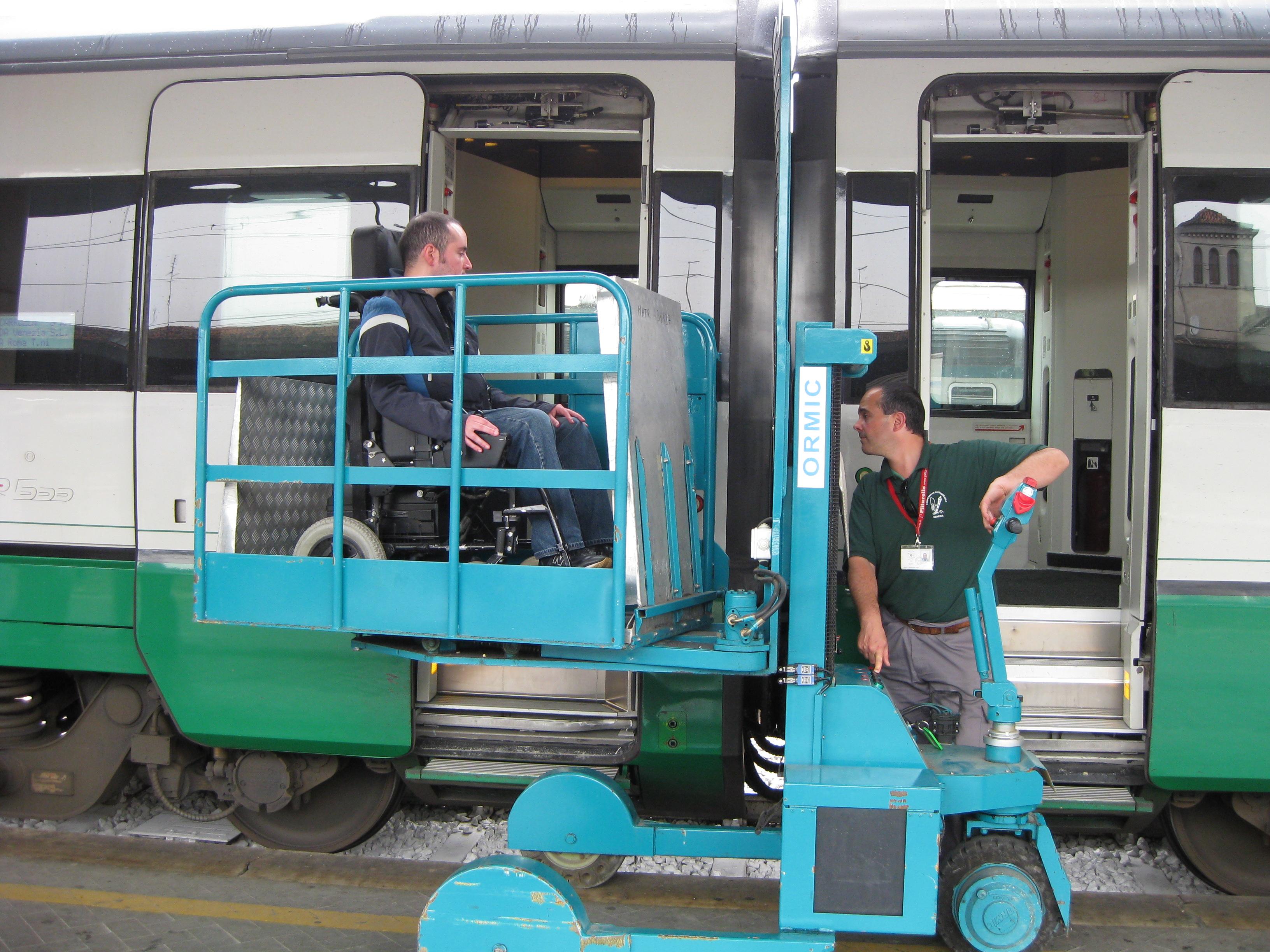 Sale Blu Ferrovie : Ferrovie rfi stazione di metaponto servizi sala blu entro