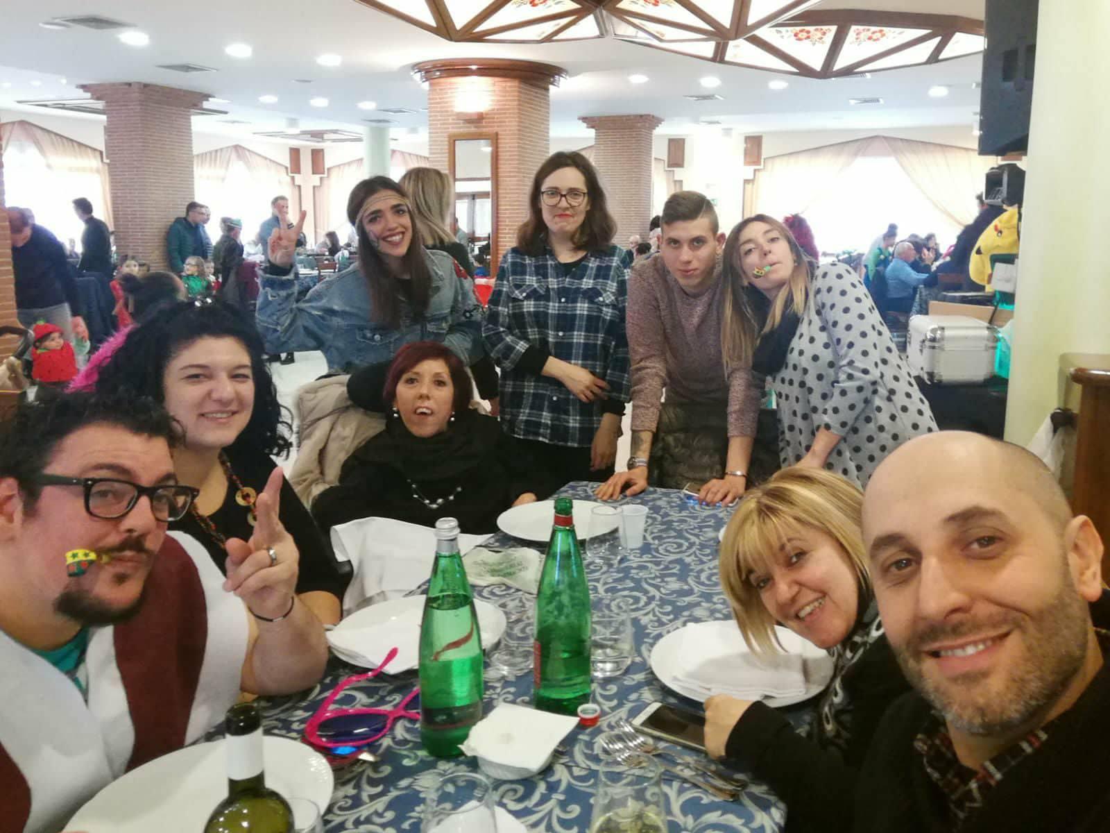 Il Gruppo Giovani durante un evento di raccolta fondi