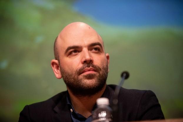 Lo scrittore Roberto Saviano (foto da Fanpage.it)