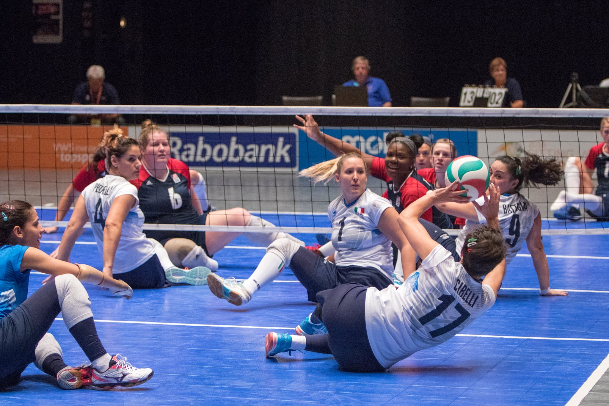 Una partita di Sitting Volley (fonte: Volleymania)