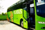 Un mezzo della scuderia Flixbus (fonte: Associazione Luca Coscioni)