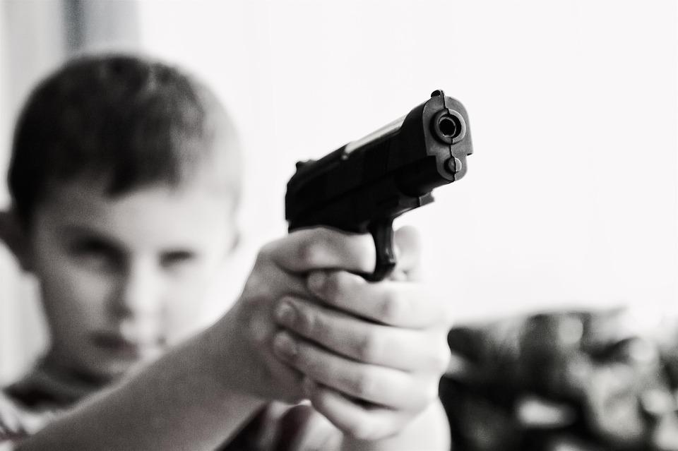 La vionenza delle baby gang è un fenomeno che impone un'attenta analisi