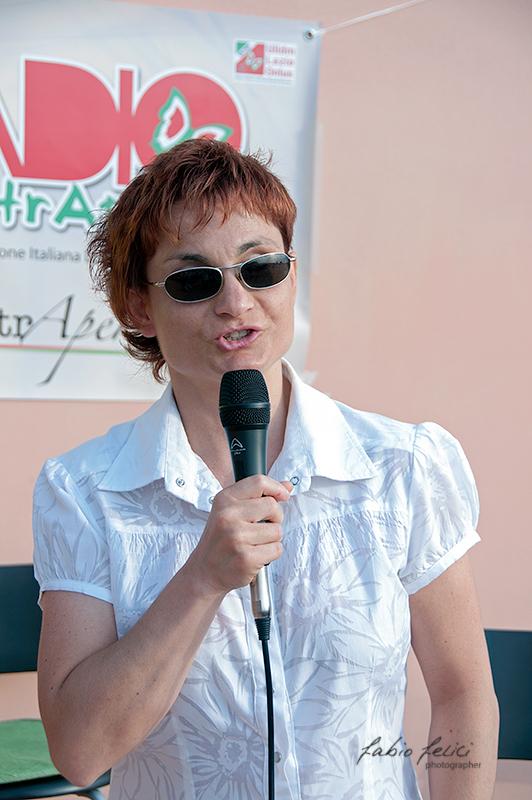 Morena Burattini canta all'Aperititvo Solidale