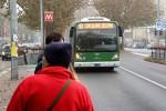 La fermata del filobus di viale Romagna-largo Rio De Janeiro a Milano (fonte: La Repubblica)