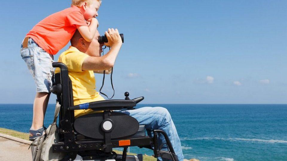 papa-figlio-vacanza-turismo-accessibile-960x540