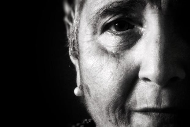 """Una delle fotografie della mostra del progetto Donnenmd: """"Nonna"""", di Sonia, 18 anni"""